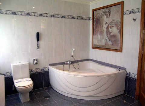 La Junior Suite dispone de baño con jacuzzi en Hotel ...